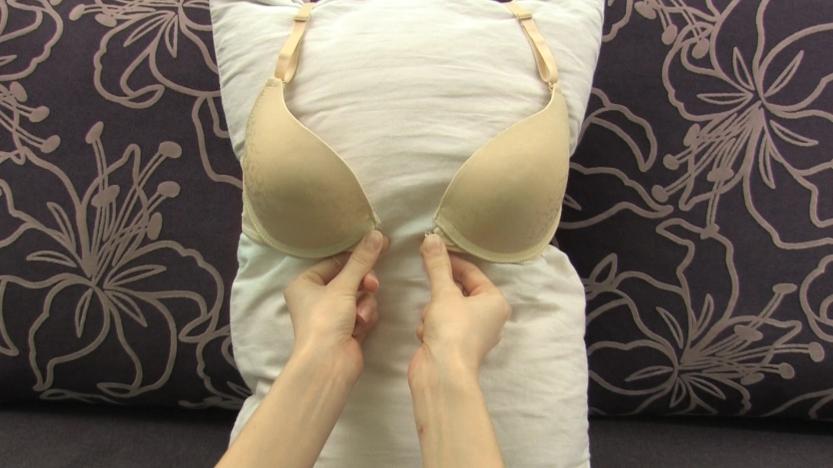 unhook-a-bra-step-14